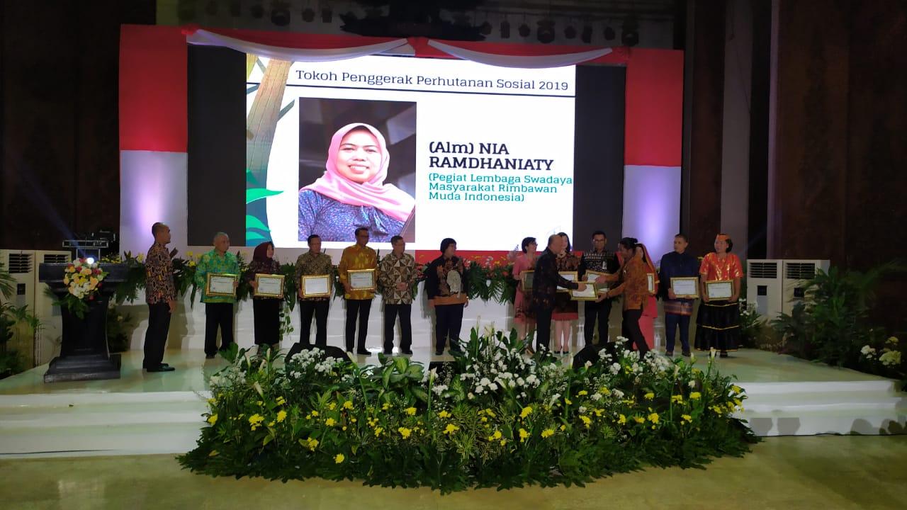 Penghargaan Nia Ramdhaniaty
